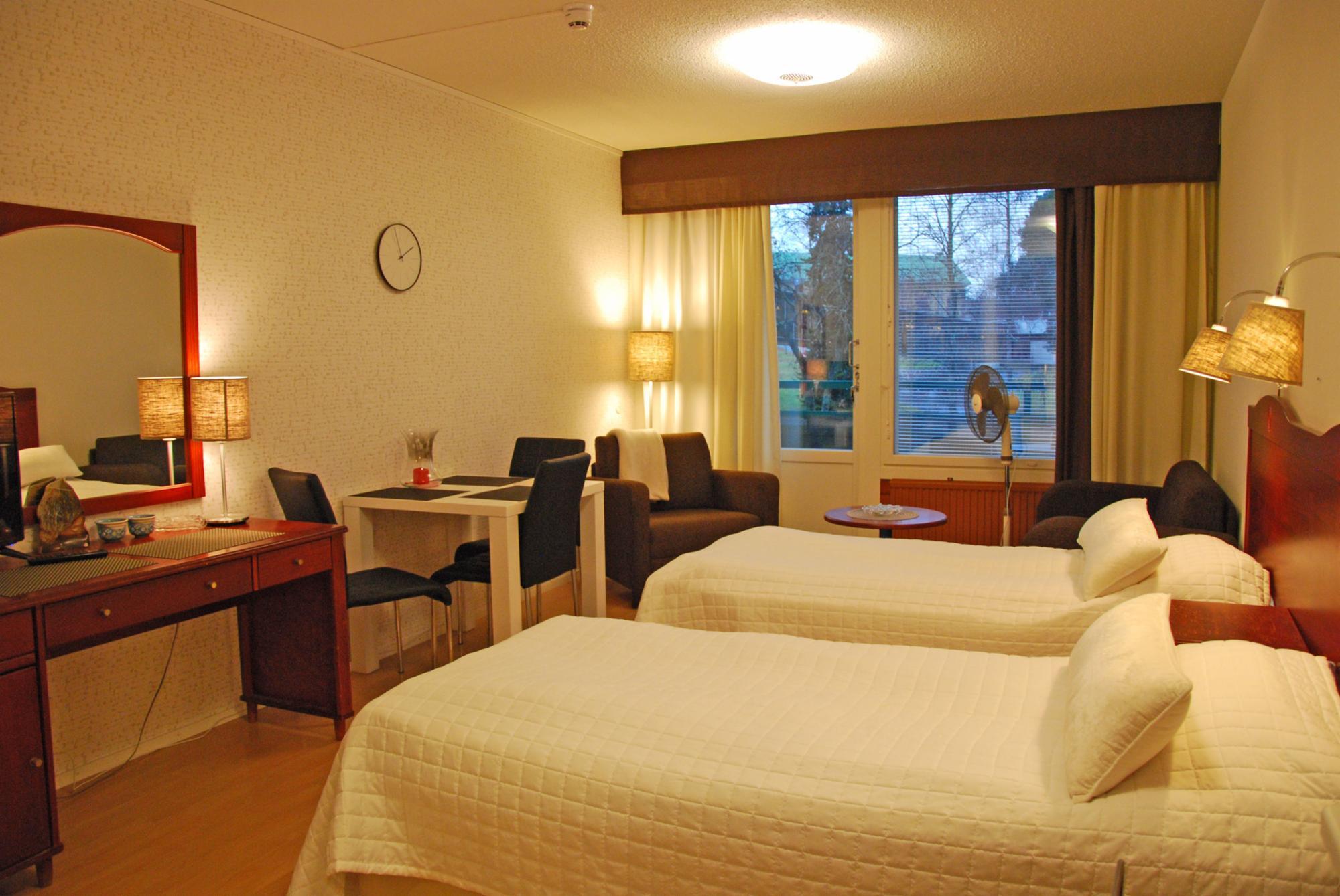 *Kylpylä-Hotelli 239